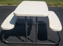 PHOTO KIDS PICNIC TABLE WHITE 225x150